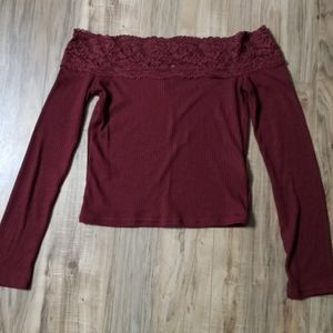 Divided crop top with lace neck sz S